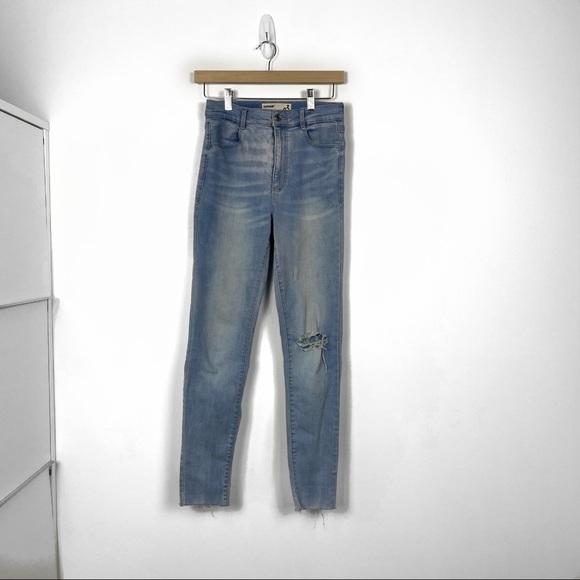 Garage Lightwashed Distressed Jeans US 03